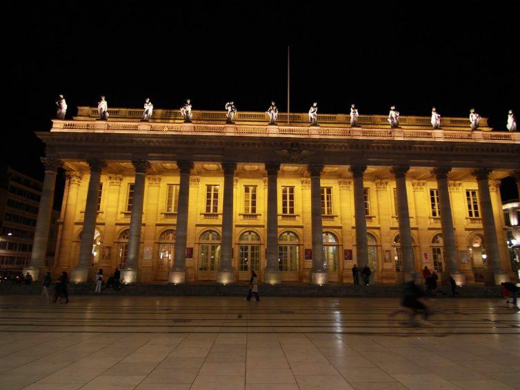 Le rôle du courtier pour mon rachat de crédits à Bordeaux